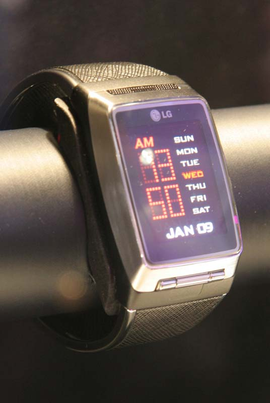 lg watch phone Few phones have fired up the public's imagination like lg electronics' watch phone the device, which packs advanced cellphone features into a wristwatch, was a hit at january's consumer.